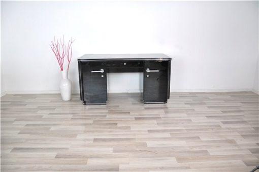 Klassischer Art Deco Schreibtisch, Hochglanzschwarz, Chromgriffe, feine Chromlinien, viel Stauraum