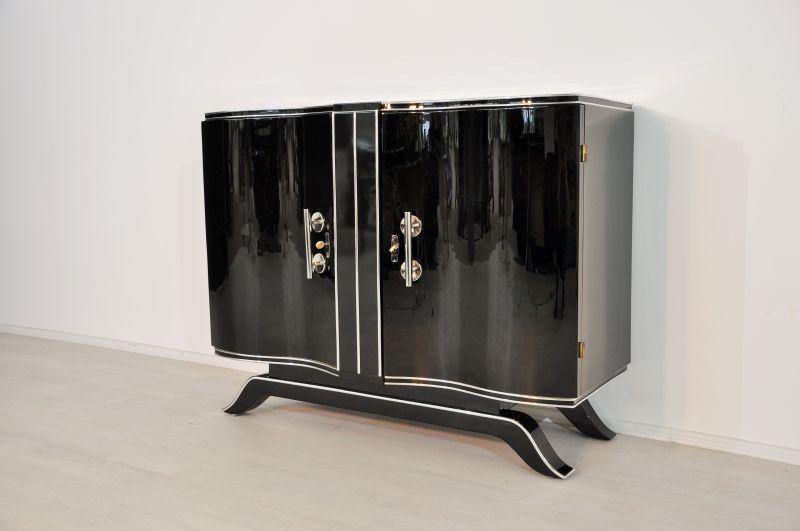 art deco hochglanz kommode mit gro en chromgriffen original antike m bel. Black Bedroom Furniture Sets. Home Design Ideas