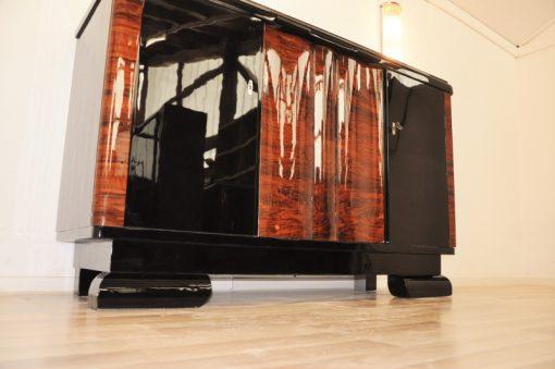 Art Deco, Kommode, kleines Sideboard, geschwungene Tueren, hochglanz, poliert, walnuss, holz, original, restauriert, handgefertigt, klavierlack
