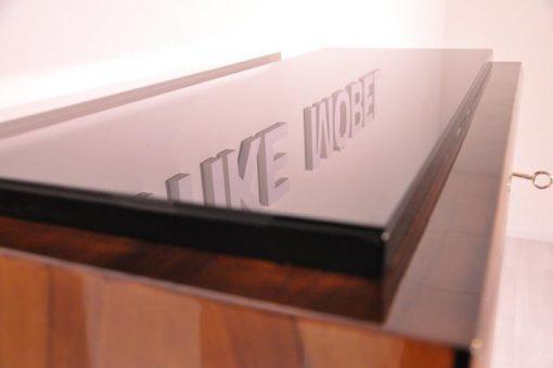 Art Deco, Sekretaer, Walnuss, Schrank, Details, Design, hochglanz Lack, Luxus, Vintage, Antik, restauriert, Wohnzimmer, Maserung